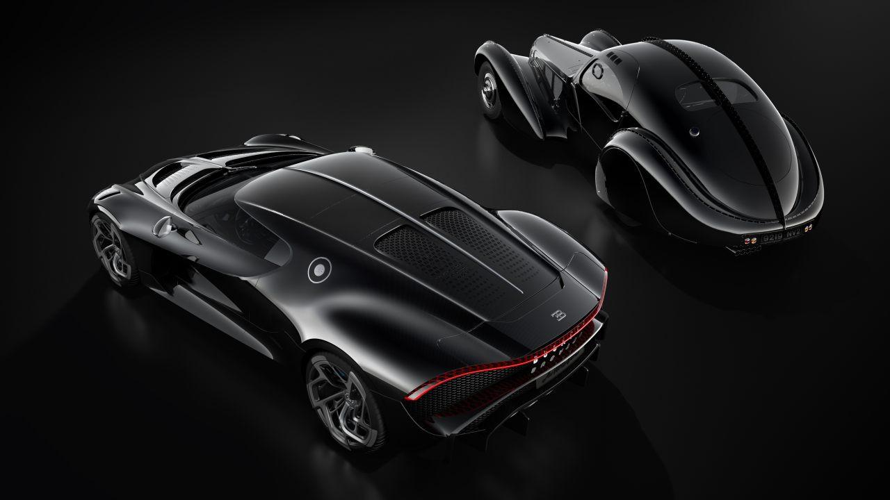 La Voiture Noire en de klassieke Bugatti Type 57 SC Atlantic, waarop het ontwerp is geïnspireerd