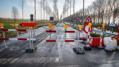 Nog steeds geen verkeer mogelijk na dijkbreuk langs Leopoldsvaart-Noord