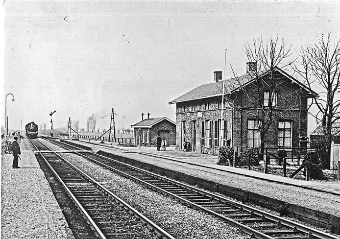 Het station in Duiven, rond 1930.
