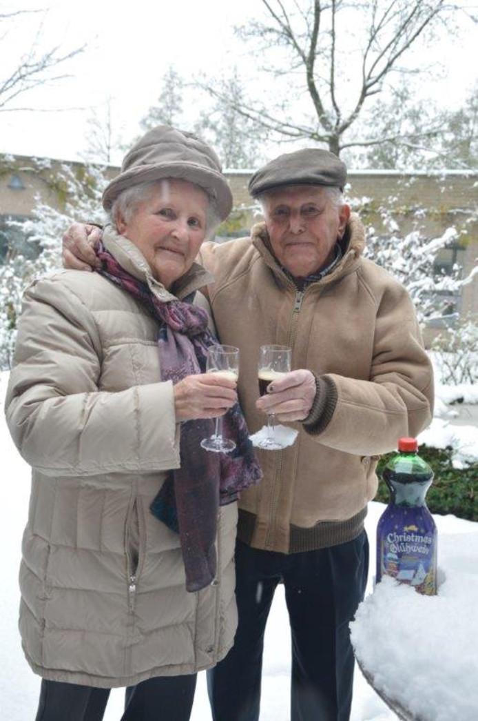 Een directeur van een Vlaams verpleeghuis liet glühwein aanrukken toen hij hoorde dat bewoner André dit altijd samen met zijn vrouw Christiane dronk wanneer het buiten sneeuwde.