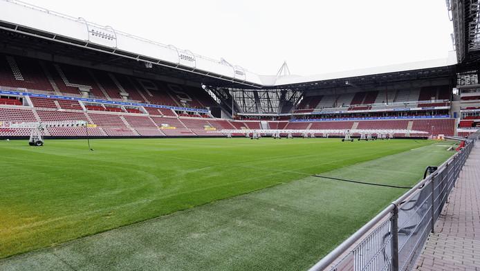 De grasmat in het Philips-stadion ligt er fraai bij. FOTO PRO SHOTS