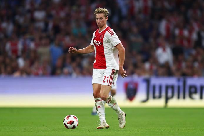 Frenkie de Jong in actie voor Ajax tegen Standard Luik.