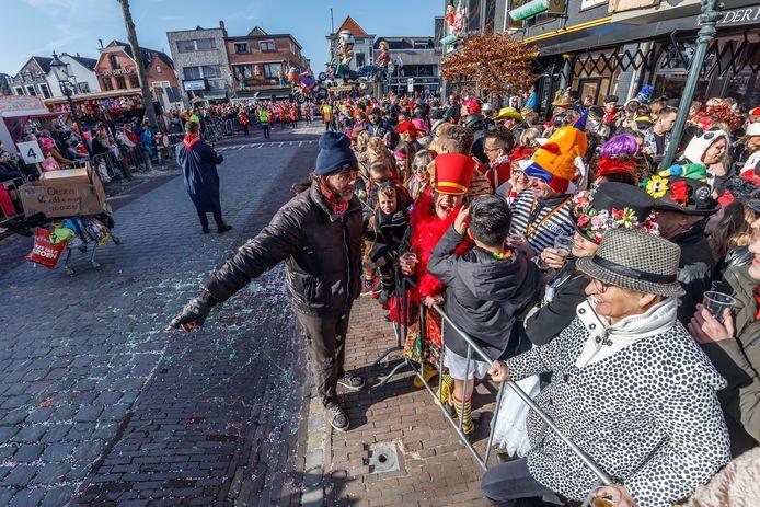 Zevenbergen - 5-3-2019 - Foto: Pix4Profs/Marcel Otterspeer - De grote optocht van ut Zeuvebultelaand. De Praotende Manne kwamen schooien.