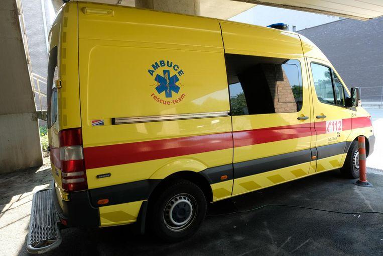 Uit de interne documenten van Ambuce blijkt dat sommige ambulanciers van de standplaats Wijnegem en UZA zelfs 96 uur aan één stuk op hun werk zijn.