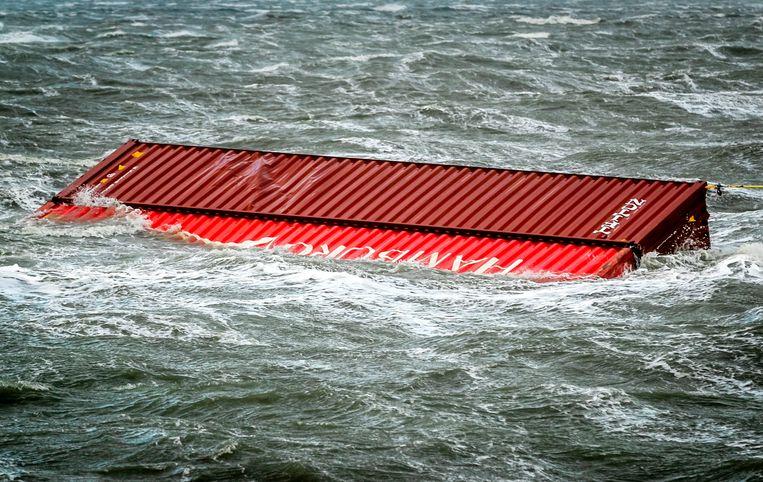 In de nacht van 1 op 2 januari vorig jaar verloor  MSC Zoe 342 containers, met in totaal 3 miljoen kilo lading. Beeld ANP