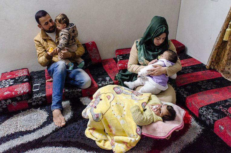 Nidal Zayed en zijn vrouw Maali kregen een drieling   Beeld Daniela Sala