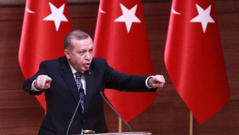 De Turkse president Recep Tayyip Erdogan geeft een speech. Beeld afp