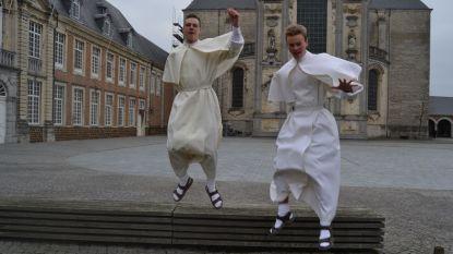 Wout (19) en Nicolas (23) treden in: jonge paters met eigen YouTube-en Facebookkanaal