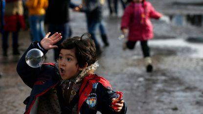 """Migrantenkinderen te vaak """"aan hun lot overgelaten"""" in Parijs: """"Opvang krijgen is als loterij"""""""