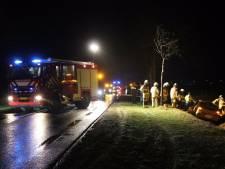 Automobilist crasht in sloot langs N332 bij Holten