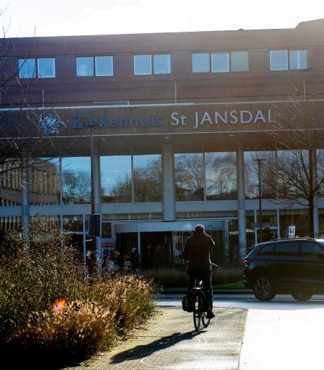 Patiëntenstop St Jansdal verontrust gezondheids-economen: 'Ik sluit niet uit dat mensen in ambulances gaan overlijden'