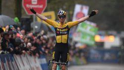 Wout van Aert voert nummertje op en viert in Lille voor het eerst na zware valpartij