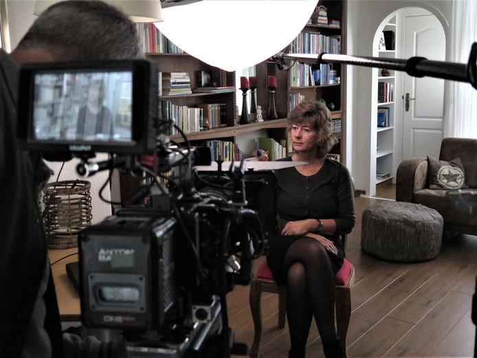 Anja van der Starre uit Dordrecht strijdt voor erkenning van de Merwedegijzelaars als oorlogsslachtoffers.