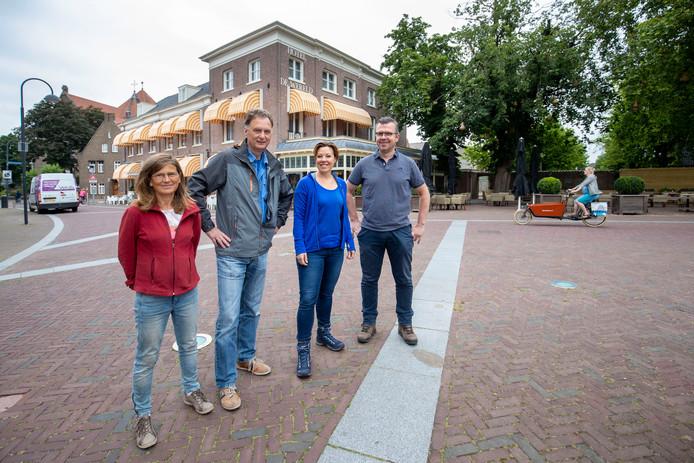 Ilonne Bongers, Robert Frijlink , Wim Huijser en Lysbeth Beels hebben de wandelroute Pad van de Vrijheid bedacht die start en eindigt bij Hotel de Wereld.