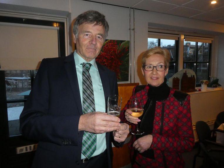Theo Durenkamp en Jolanda Edema, bestuursleden van de stichting Molen van Sloten. Edema: 'Culinaire hoek hier, hoor.' Beeld Hans van der Beek