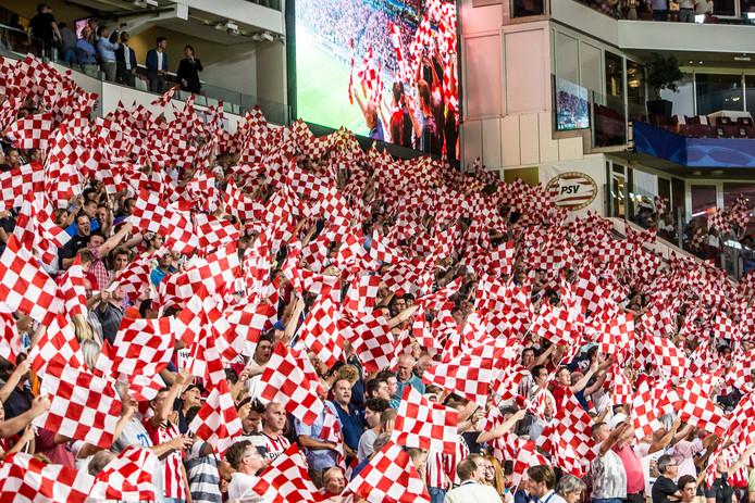 Het Philips Stadion is woensdagavond weer het decor van een internationaal duel. PSV probeert de groepsfase van de Champions League te bereiken.