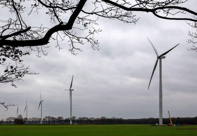 Aan de Laarakkerweg in Reusel staan al windmolens.