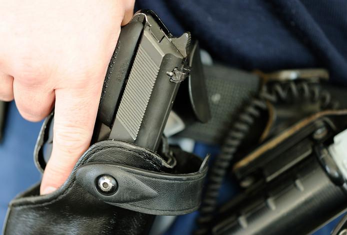Dienstwapen van de politie, foto ter illustratie