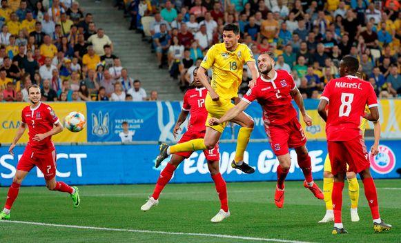 Yaremchuk kopt raak in de Lviv Arena.