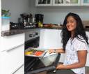 Mitu Zaman uit Zwolle probeert thuis eerst alle nieuwe recepten voor haar vegan foodblog én de nieuwe kookworkshops uit.