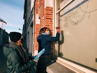 """Bijna 200 Aalstenaars hebben poëzie op hun raam: """"Aalst omtoveren tot een echte poëziestad"""""""