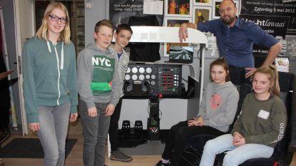 SMI-leerkracht bouwt vliegsimulator