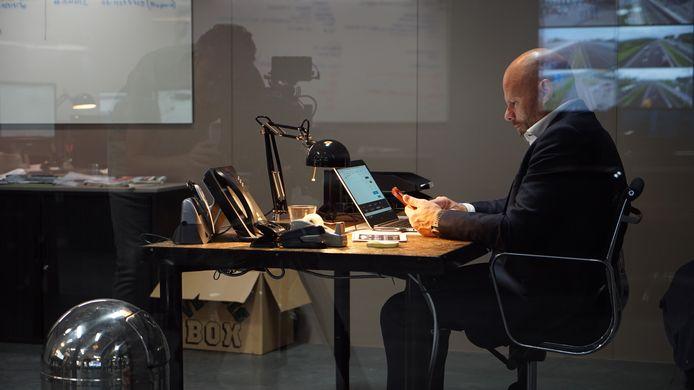 Sander Schaepman als de recherchebaas in het tv-programma Hunted.