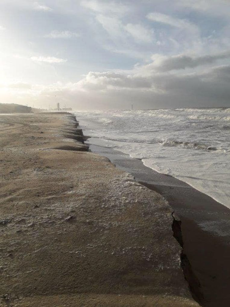 In Bredene zijn opnieuw kliffen ontstaan door het stormweer.