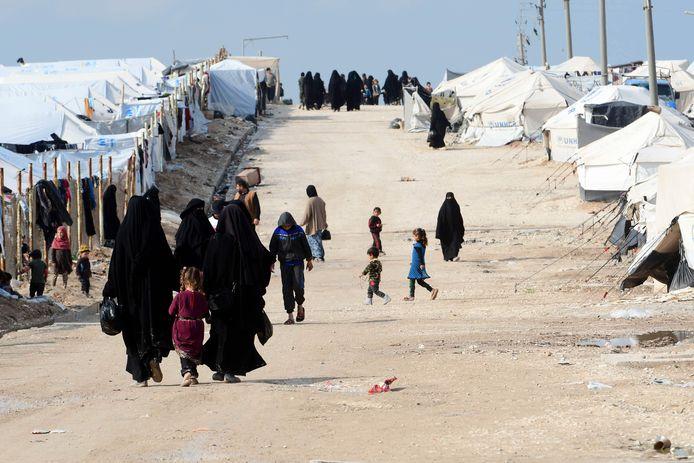 Vrouwen en kinderen in detentiekamp Al Hol in Syrië.