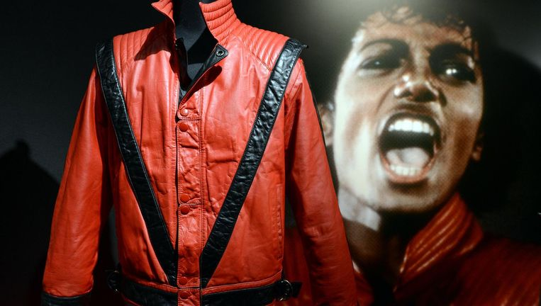 De jas die Jackson droeg in Thriller. Beeld AFP