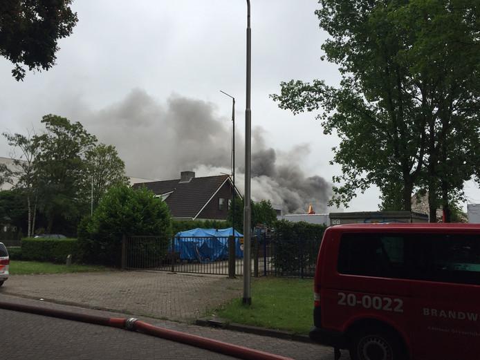 Brand bij Huiskes Metaal Tilburg.
