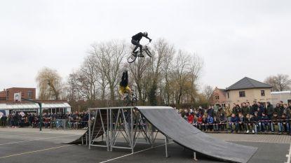 BMX'ers tonen kunstjes in VTI