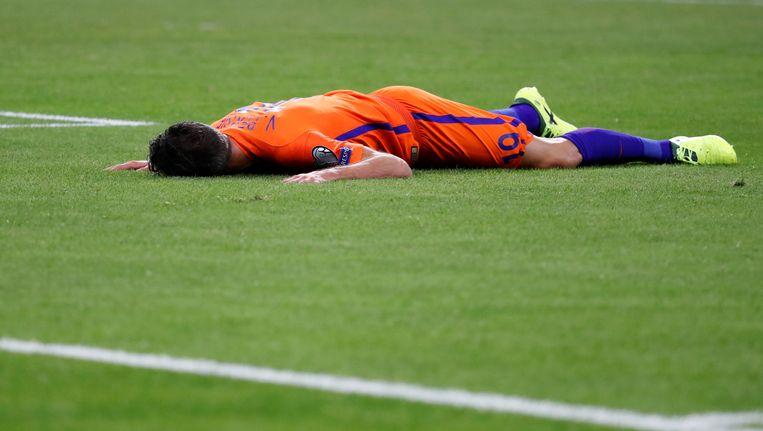 Van Persie raakte donderdag als invaller geblesseerd in de verloren WK-kwalificatiewedstrijd tegen Frankrijk. Beeld reuters