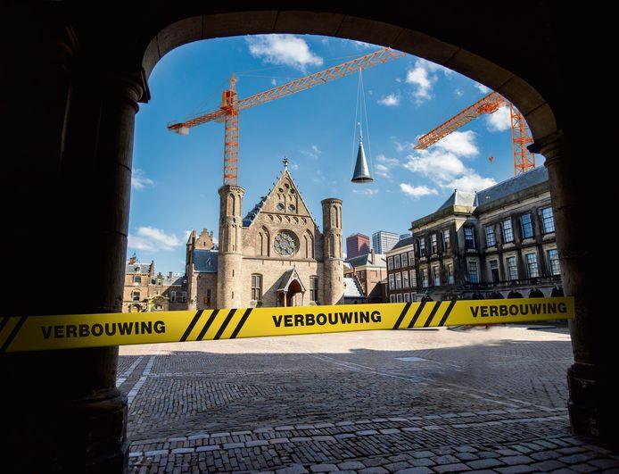 De renovatie van het Binnenhof is mogelijk vertraagd.