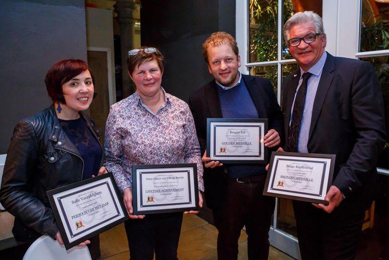 Bruggelingen Sofie Vanrafelghem, Daisy Claeys, Xavier Vanneste en Marc Vandepitte vielen in de prijzen.