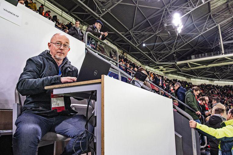 Willem Vissers tijdens wedstrijd Ajax-Valencia in Champions League.  Beeld Guus Dubbelman / de Volkskrant