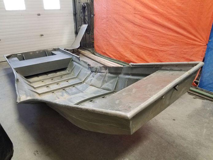 De beschadigde boot die werd gevonden in de Nelson rivier.