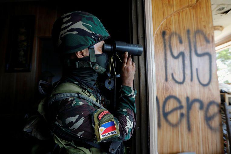 Het Filippijnse leger vecht in de stad Marawi al zeven weken tegen Islamitische Staat. Beeld REUTERS