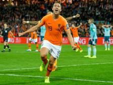 Luuk de Jong en Memphis redden pover Oranje tegen taaie Noord-Ieren