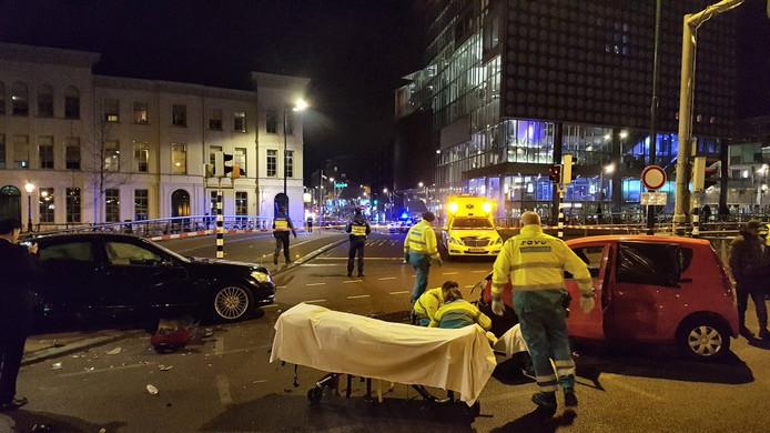 Twee ambulances rukten uit om de gewonden te verzorgen.