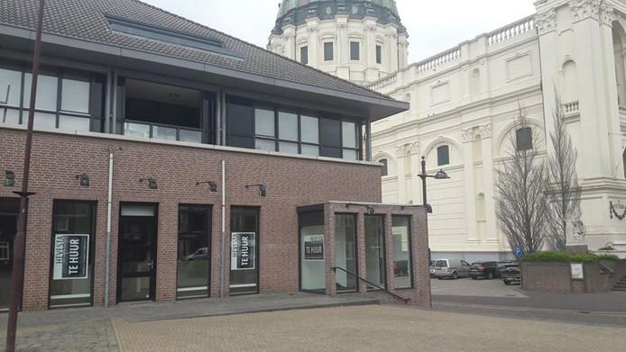 Het leegstaande winkelpand op de hoek van het Jan Gielenplein.