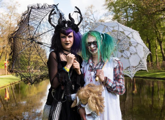 Bezoekers van Elfia gaan verkleed als hun favoriete figuur.