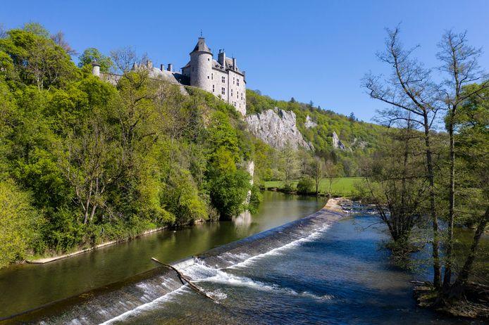 Le château de Walzin et la Lesse (Namur)