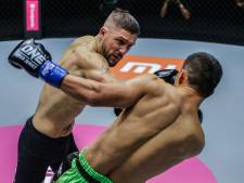 Nederlandse topkickboksers boeken zwaarbevochten zege in Singapore
