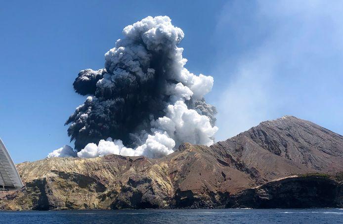 Beelden van de uitbarsting op 9 december.