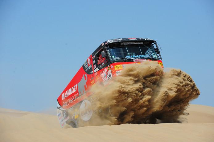 De truck van Janus van Kasteren in de Dakar Rally.