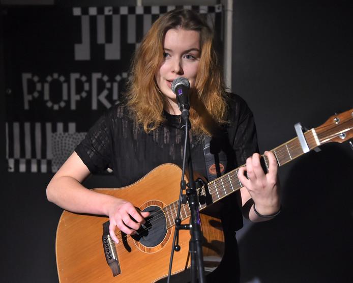 Singer/songwriter Démira speelde in restaurant Likkepot.
