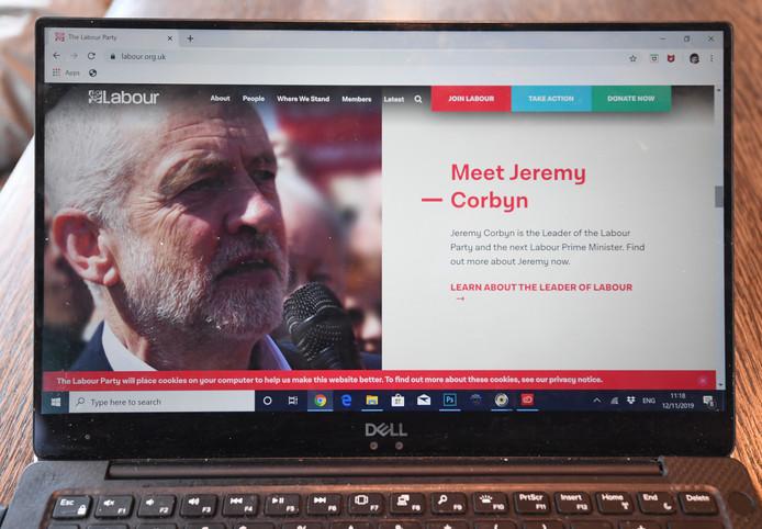"""De cyberaanvallen tegen de grootste Britse oppositiepartij Labour houden aan. Het gaat volgens een ingewijde om """"erg ongecompliceerde"""" ddos-aanvallen, waarbij sites worden bestookt met internetverkeer en daardoor onbereikbaar worden."""
