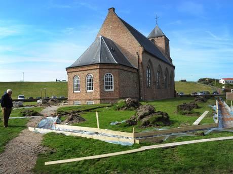Tuin Catharinakerk Zoutelande ondergaat metamorfose