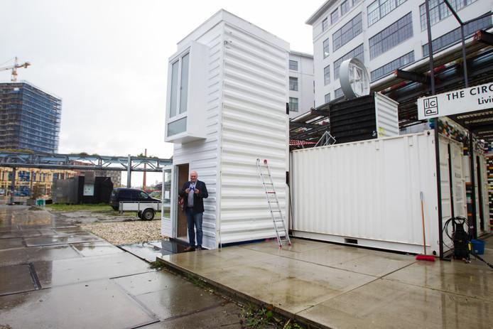 Bas Luiting in Plug in City studenten woningen van containers in Eindhoven